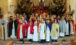 Sternsinger aus Peckelsheim bringen Gottes Segen