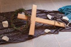 III. Station: Jesus fällt zum ersten Mal unter dem Kreuz